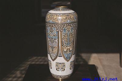 """景泰蓝""""银星瓶饕餮图"""".jpg"""